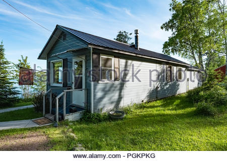 Cabin is perched on a cliff with sweeping views of Lake Superior, near Grand Marais, Minnesota, USA. - Stock Photo