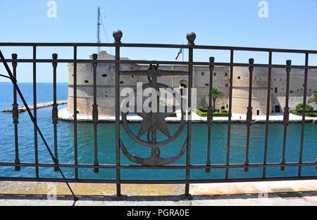 Italy, Puglia region, Taranto, Aragonese castle, 1486, view and details. - Stock Photo