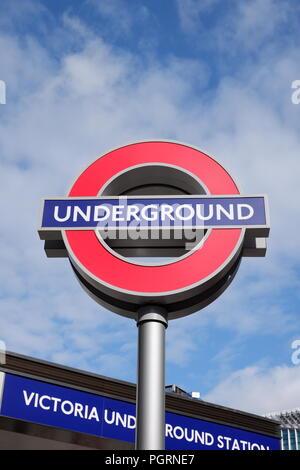 Victoria Underground Station (London).  Victoria underground station is the third busiest station on the London Underground. - Stock Photo