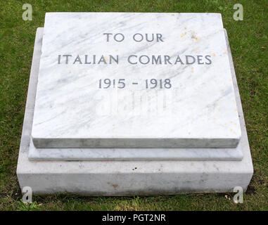 Plaque at foot of Manchester England war memorial To Our Italian Comrades 1915-1918 - Stock Photo