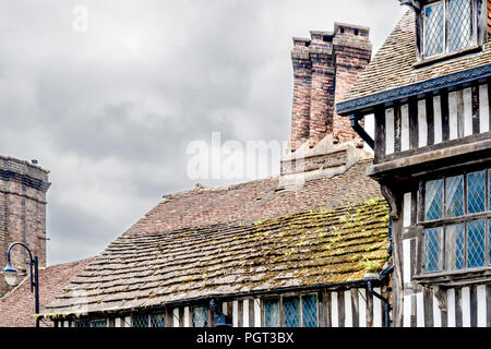 East Grinstead (Sussex, England): Cromwell House in Tudor Style - Stock Photo