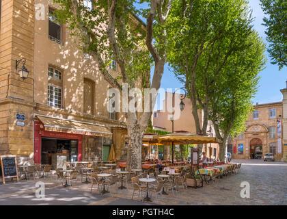 Aix en Provence, cafe. L'Archeveche restaurant/cafe on Place des martyrs de la Resistance, Aix-en-Provence, Provence, France - Stock Photo