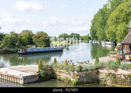 River Thames, The Riverside, Lechlade-on-Thames Gloucestershire, England, United Kingdom - Stock Photo