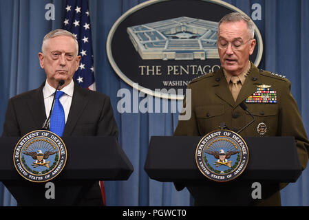 U.S. Secretary of Defense James N. Mattis and the chairman of the Joint Chiefs of Staff, Marine Corps Gen. Joseph F. Dunford, brief reporters at the Pentagon, Arlington, Va., Aug. 28, 2018. DoD photo by Lisa Ferdinando - Stock Photo