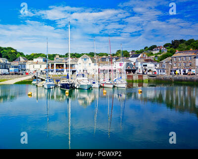 26 June 2018: Padstow, Cornwall, UK - The harbour and waterfront during the summer heatwave. - Stock Photo