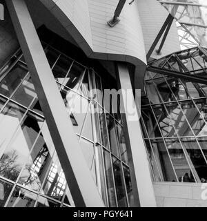 Louis Vuitton Foundation, Paris, France - Stock Photo