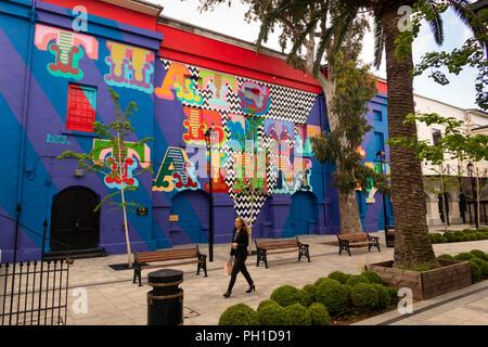 Gibraltar, Main Street, Inces Hall theatre, artist Ben Eines 'That's Entertainment. wall painting - Stock Photo