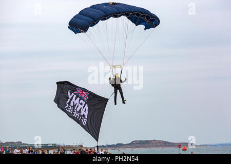 Bournemouth, UK. 30th August 2018. Up to a million people are set to descend on Bournemouth over the next four days as the 11th annual Bournemouth Air Festival gets underway. Perfect weather for flying.  The Tigers Freefall Team thrill the crowds.  Credit: Carolyn Jenkins/Alamy Live News - Stock Photo
