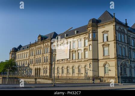 Museum für Kunst und Gewerbe, Steintorplatz, St. Georg, Hamburg - Stock Photo