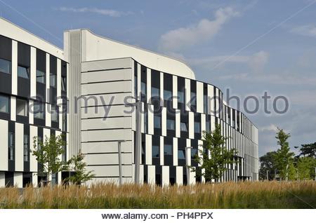 WU (Wirtschaftsuniversität Wien ) University of Economics and Business campus buildings in Leopoldstadt district of Vienna Austria Europe. - Stock Photo
