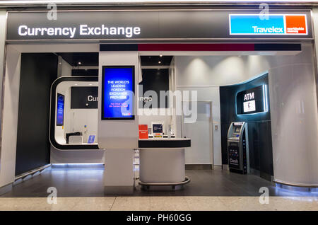 atm and money exchange counter in toronto international airport stock photo 91267016 alamy. Black Bedroom Furniture Sets. Home Design Ideas