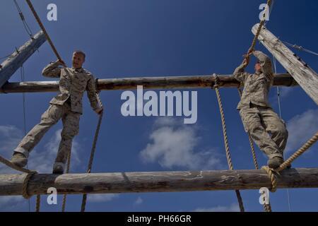 U.S. Marine Corps Recruits with Bravo Company, 1st Recruit ...