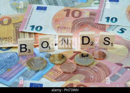 Symbolfoto Wirtschaftsbegriff Bonds - Stock Photo