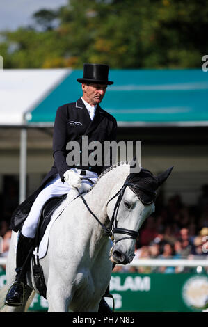 31st August 2018. Mark Todd (NZL) riding Kiltubrid Rhapsody during the Dressage phase of the 2018 Land Rover Burghley Horse Trials in Stamford, Lincolnshire, United Kingdom. Jonathan Clarke/Alamy Live News - Stock Photo