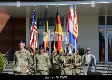 U.S. Army Col. Sean Hunt Kuester, incoming commander for U.S. Army ...
