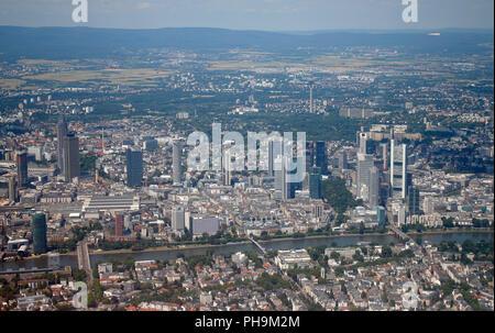 Luftbild: die Skyline von Frankfurt am Main u.a. mit EZB-Turm, Messeturm, Commerzbank Zentrale, DG Bank u.a.. - Stock Photo