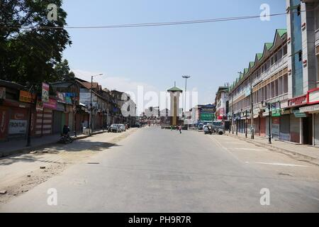 Srinagar, Kashmir. 31st Aug, 2018. A deserted view of Lal Chowk during shutdown call by separatist leaders on 30 and 31 August 2018 as a mark of protest to protect Article 35-A, Credit: Faisal Bhat/Pacific Press/Alamy Live News - Stock Photo
