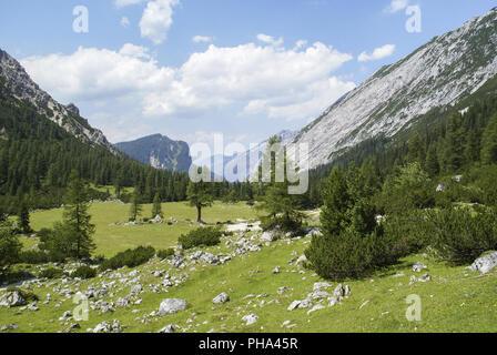 Hitchhiking in the Karwendel Mountains, Tyrol, Austria - Stock Photo