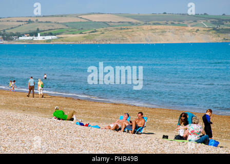 Weymouth. 31st August 2018. Wonderfully warm in Weymouth, on the last day of meteorological Summer Credit: stuart fretwell/Alamy Live News
