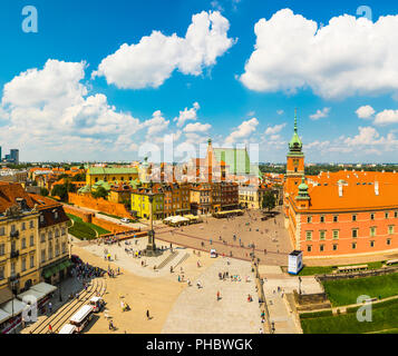 Elevated view of Sigismund's Column and Royal Castle in Plac Zamkowy (Castle Square), Old Town, UNESCO World Heritage Site, Warsaw, Poland, Europe - Stock Photo