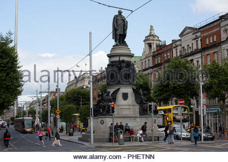 A view of the O'Connell monument in Dublin on a day in summer - Stock Photo