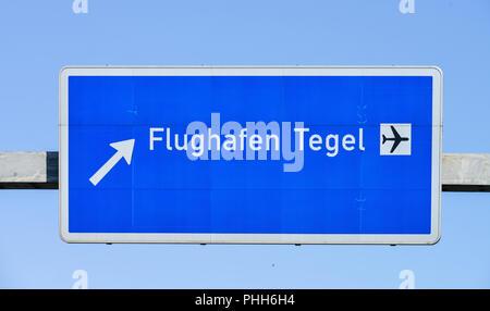 Autobahnschild, Flughafen Tegel, Reinickendorf, Berlin, Deutschland - Stock Photo
