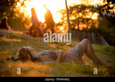 London, UK. 1st September, 2018. UK Weather: Warm evening sunset on the first day of September from the top of Greenwich Park. Credit: Guy Corbishley/Alamy Live News - Stock Photo