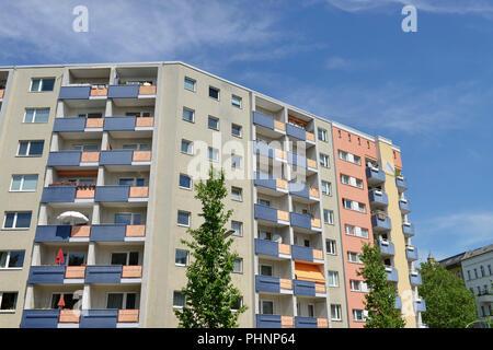 Wohnhaus, Motzstrasse, Gewobag, Schoeneberg, Berlin, Deutschland - Stock Photo
