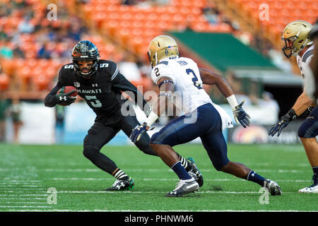 Honolulu, Hawaii, USA. 01st Sep, 2018. September 1, 2018 - Hawaii Rainbow Warriors wide receiver John Ursua #5 runs the ball during NCAA football game between the Navy Shipmen and the University of Hawaii Warriors at Hawaiian Airlines Field at Aloha Stadium in Honolulu, Hawaii. Glenn Yoza/CSM Credit: Cal Sport Media/Alamy Live News - Stock Photo