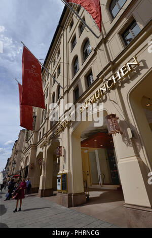Hotel Vier Jahreszeiten Kempinski, Maximilianstrasse, Muenchen, Bayern, Deutschland - Stock Photo