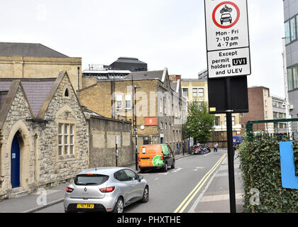 Old Street, London, UK. 3rd September 2018. Ultra low emissions streets, Petrol and diesel vehicles are banned from some streets near Old Street between 7-10am and 4-7pm when only electric and hybrid vehicles are allowed. Credit: Matthew Chattle/Alamy Live News - Stock Photo