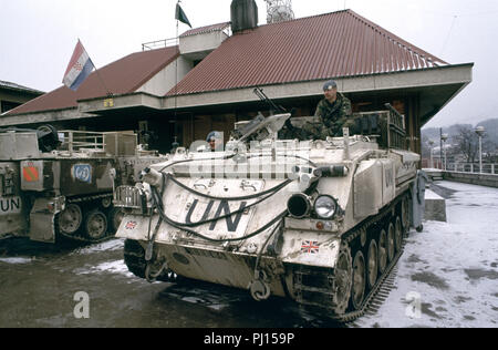 5th March 1993 British Army soldiers on their 432 Armoured Personnel Carrier, parked next to another 432 APC outside the HVO (Croatian) headquarters at Josipa bana Jelačića 26 in the little town of Kiseljak, north-west of Sarajevo. - Stock Photo