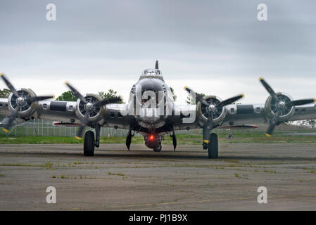 30-05-17, Stratford, Conneticut, USA. The Flying Fortress 'Yankee Lady' at Sikorski Memorial Airport. Photo: © Simon Grosset - Stock Photo