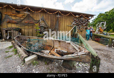 Clarks Fish Camp is a unique and rustic seafood restaurant located on Julington Creek, a tributary of the St. Johns River in Jacksonville, Florida. - Stock Photo