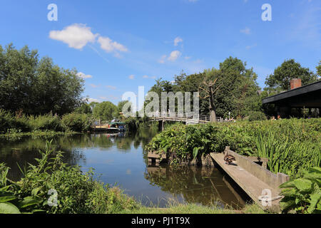 The bridge over the River Stour at Flatford Mill, Flatford Road, East Bergholt, Colchester, UK - Stock Photo
