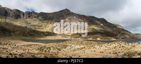 Dramatic mountain scenery at Cwm Idwal nature reserve near Capel Curig, Snowdonia national park, Wales. - Stock Photo
