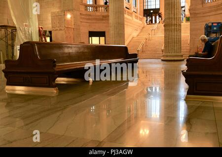 The Grand Hall in Chicago's Union Station - Stock Photo