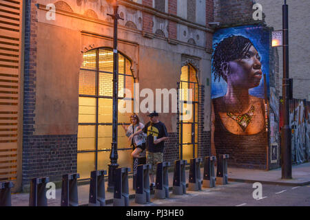 Strassenkunst Brick Lane, Tower Hamlets, London, England, Grossbritannien - Stock Photo