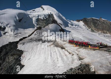 summer ski Resort mittelallalin 3500 m ü. M. saas fee, switzerland - Stock Photo