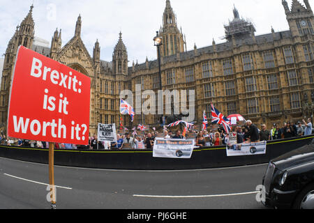 Westminster, London, UK. 5th Sept 2018. Pro-Brexit count anti-Brexit holding placard to Block Parliament & the Brexit Betrayal! march to Westminster, London, UK. 5th September 2018. Credit: Picture Capital/Alamy Live News - Stock Photo