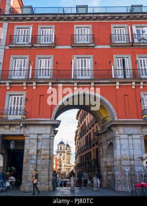 Colegiata de San Isidro desde la Plaza Mayor. Madrid. España - Stock Photo