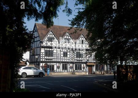 The Tudor House Inn on West Street in Warwick - Stock Photo