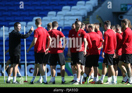 Cardiff, UK. 5th September 2018. Gareth Bale of Wales © during the Wales football squad training at the Cardiff city Stadium in Cardiff , South Wales on Wednesday 5th September 2018.  the team are preparing for their  international match against the Republic of Ireland tomorrow.   pic by Andrew Orchard/Alamy Live News - Stock Photo
