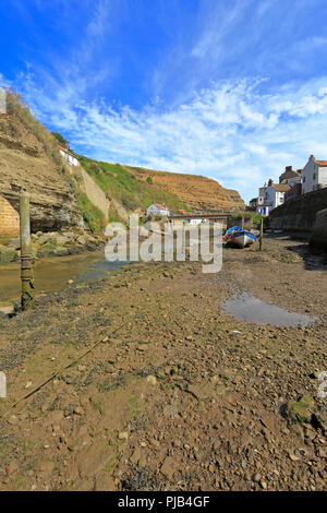 Staithes Beck, Staithes, North Yorkshire, North York Moors National Park, England, UK. - Stock Photo