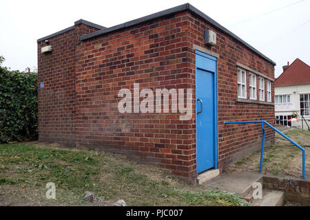 bathrooms Disused public toilets in Bawtry, Yorkshire - Stock Photo