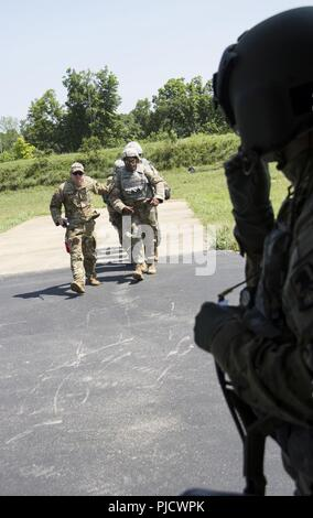 FORT KNOX, Ky  – Sgt  Brian Diggs, crew chief, 244th