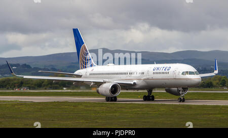 United Airlines seen at Glasgow before taking off for the USA, Glasgow International Airport, Renfrewshire, Scotland. - Stock Photo