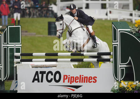 The National, Spruce Meadows June 2002, Ian Millar (CAN) riding Redefin - Stock Photo