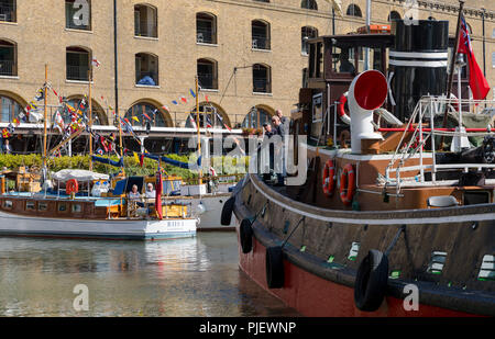 London, UK. 6th September 2018. Boats arrive for the Classic Boat Festival in association with Totally Thames, which is a celebration of over 40 beautiful vintage boats and yachts, taking place from 7th – 9th September. Credit: Vickie Flores/Alamy Live News - Stock Photo
