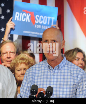 Orlando, Florida, USA. September 6, 2018 - Orlando, Florida, United States -  Florida Governor Rick Scott, Republican nominee for the U.S. Senate, addresses supporters at a Republican unity rally on September 6, 2018 at the Ace Cafe in Orlando, Florida. Scott is hoping to unseat Democratic U.S. Senator Bill Nelson. (Paul Hennessy/Alamy) Credit: Paul Hennessy/Alamy Live News
